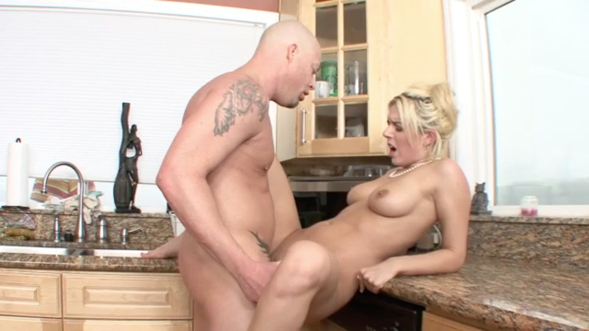 Fuck my pussy in the kitchen